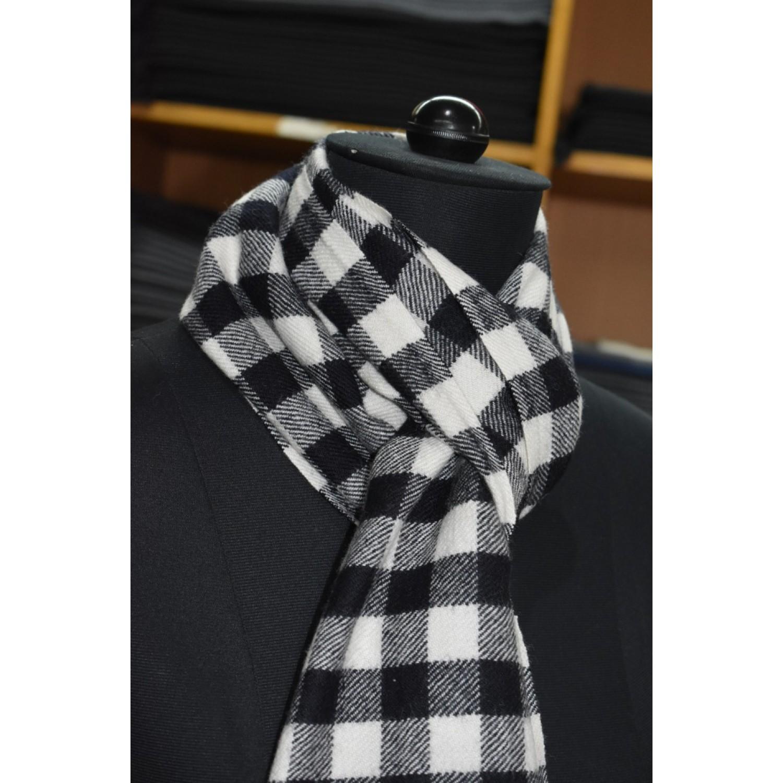 Muffler -PC 100% Handloom Merino Wool 2/20 Black and White