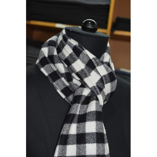 Muffler -PC 100% Handloom Merino Wool 2/20 Black and White